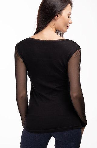 Стилна блуза от фино плетиво с ръкави от тюл