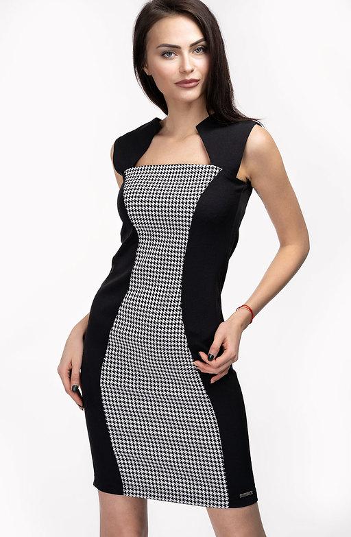 Стилна офис рокля в черно-бял десен пипи