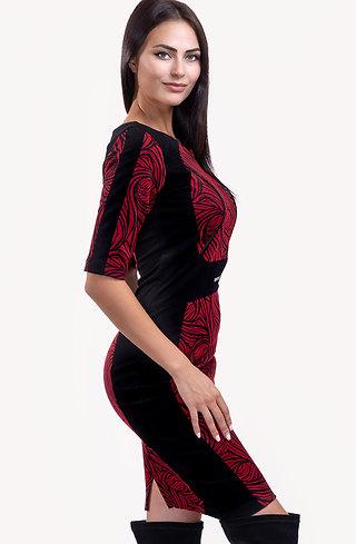 Стилна рокля в тъмно червен десен