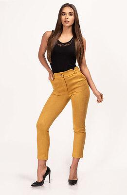 Дамски панталон от еластичен велур в цвят горчица
