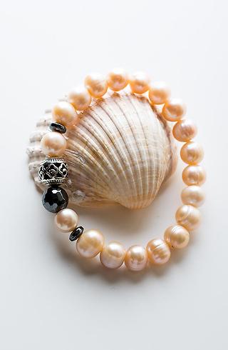Гривна от сладководни перли