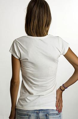 Тениска в цвят екрю