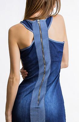 Дънкова рокля с ефектен гръб