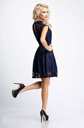 Къса рокля от дантела