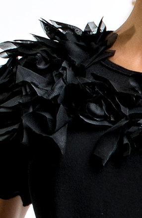 Черна туника с къс ръкав и тюл