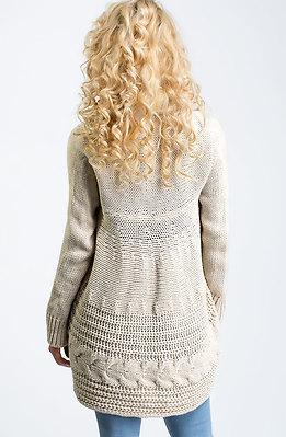 Плетена жилетка с шал яка в светло бежов десен