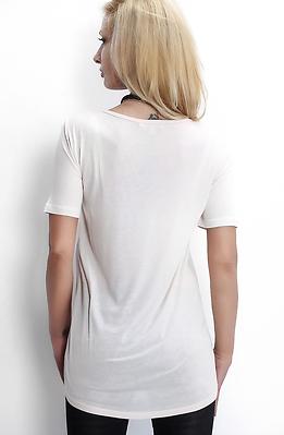 Тениска в бледо розово