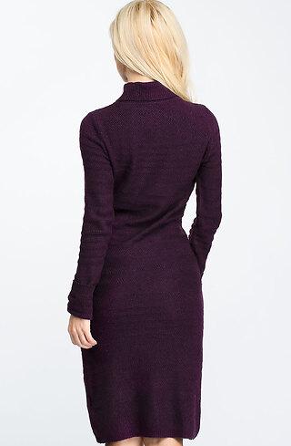 Рокля от плетиво в лилав десен