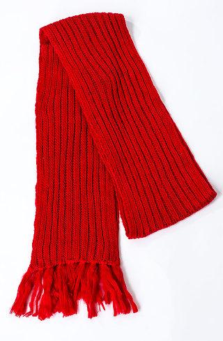 Плетен шал в червено