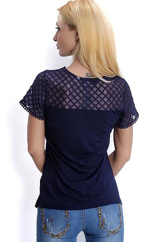 Блуза с дантела в тъмно син цвят