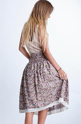 Памучна пола с флорален мотив