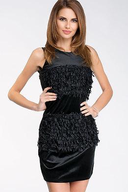 Елегантна плюшена рокля в черно