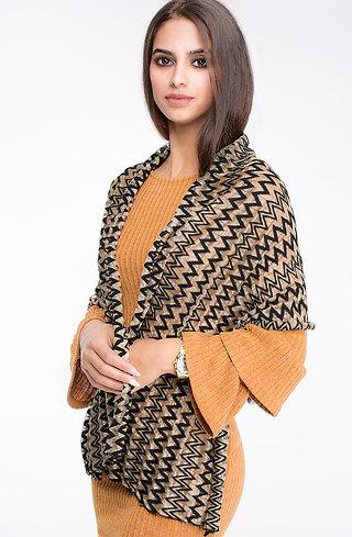 Елегантен шал с лъскава нишка
