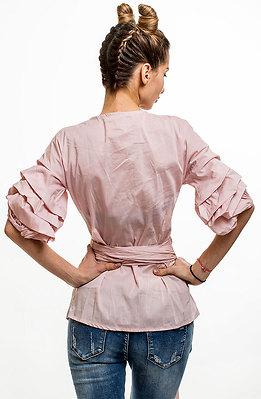 Риза в розов десен