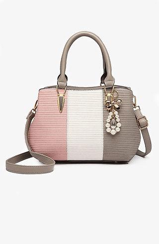 Стилна малка дамска чанта с аксесоар от перли