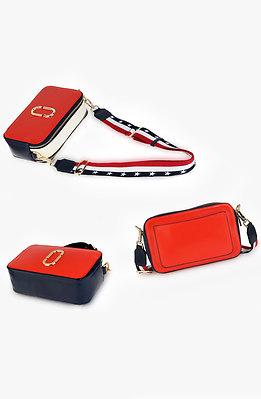 Мини чанта с трицветна каишка в червено