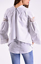 Риза с разкроени ръкави в бяло