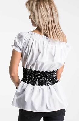 Риза с къс ръкав в бяло
