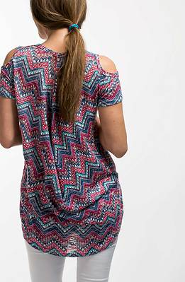 Блуза с къс ръкав и голо рамо I
