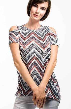 Блуза с къс ръкав и голо рамо