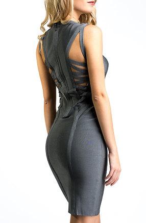 Екстравагантна рокля без ръкав