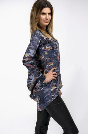 Цветна туника от фино плетиво с ефектен гръб