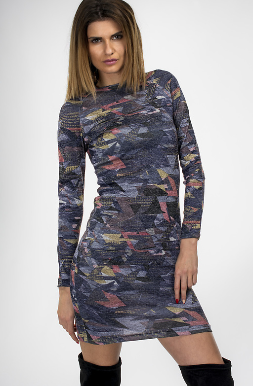 Цветна рокля от плетиво