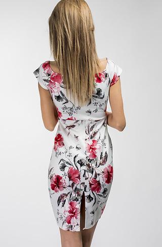 Елегантна рокля в бяло на цветя