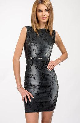 Дънкова рокля с бродерия