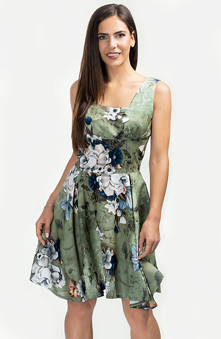 Разкроена рокля тип бюстие