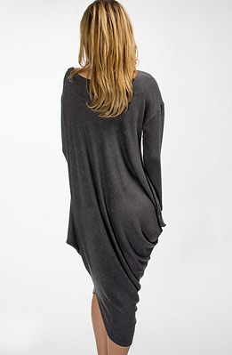 Асиметрична рокля от финно плетиво