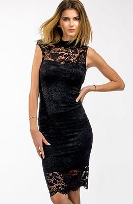 Черна коктейлна рокля