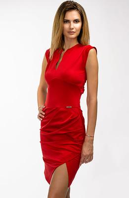 Стилна рокля в червено