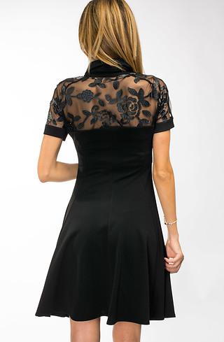 Разкроена къса рокля с якичка