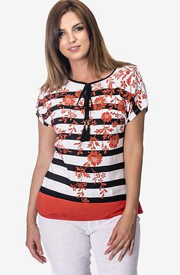 Блуза на райета с флорални бродерии
