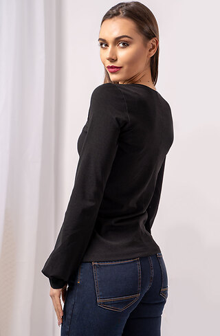 Блузка с панделка в черно