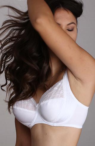 Дамски сутиен в бяло