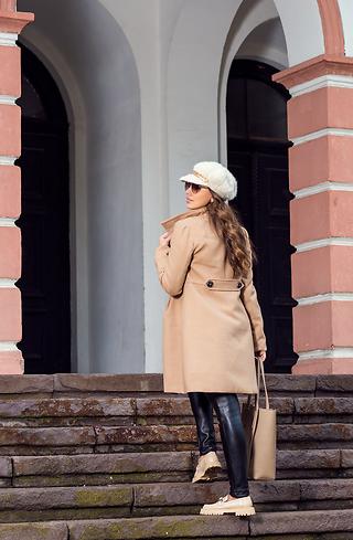 Елегантно палто в бежев десен