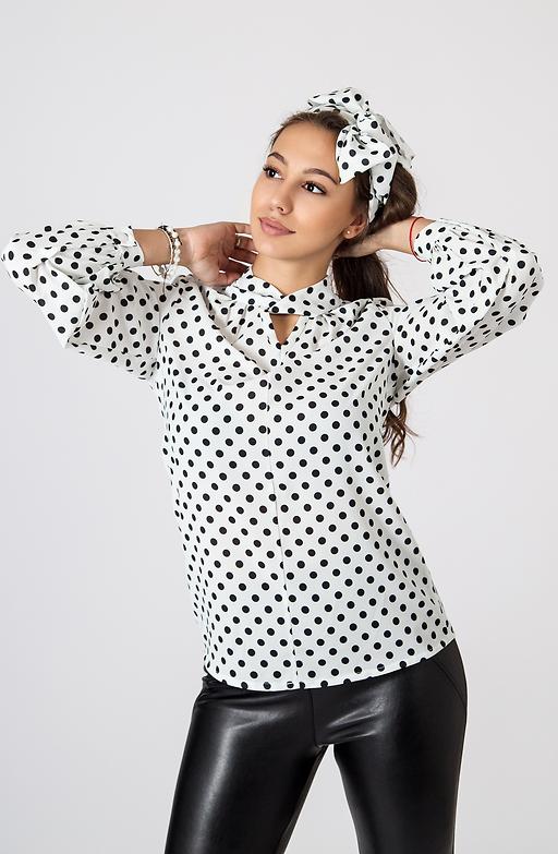 Дамска риза на точки в бяло